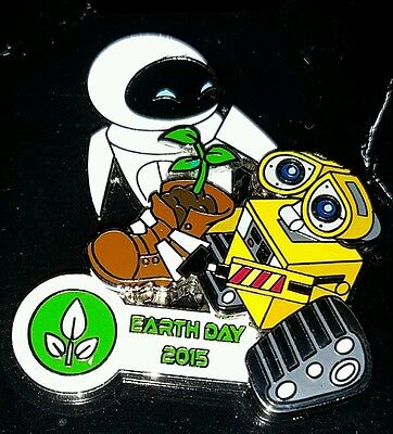 Disney Trading Pin LE Wall-e Walle & Eve Earth Day 2015 Robots Free Shipping