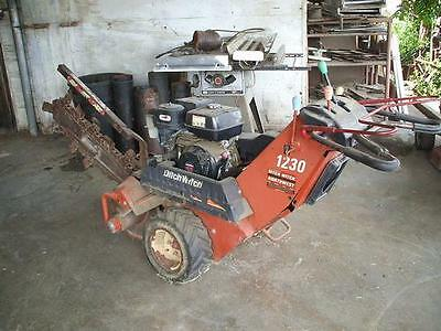 2002 Ditch Witch 1230 Trenchers