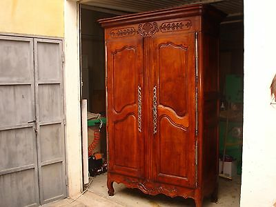 ancienne armoire en noyer blond provencale eur 590 00. Black Bedroom Furniture Sets. Home Design Ideas