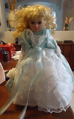 """Southern Belle Porcelain Doll 18"""" Green Lacy Dress Blonde Hair Parasol Stand"""