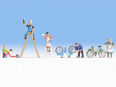 Spring Clean: bicycles, scooter, 6 OO/HO figures - Noch 15567 - free post