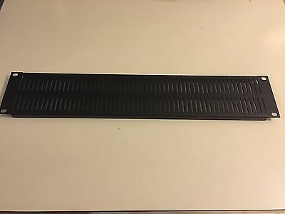 EVT3 3RU Slotted Vent Panel. Middle Atlantic
