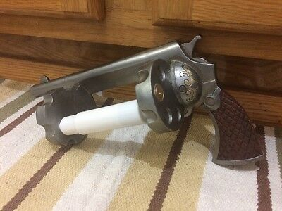 Restroom Gun Toilet Paper Holder Vintage Style Garage Mancave Shop Western Decor