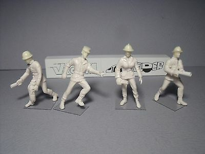 4  Figurines  1/43  Set  337  Pompiers  Soldats  Du  Feu  Vroom  Unpainted