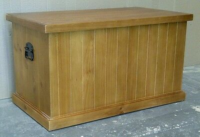 900 Solid Pine Blanket (Toy) Box