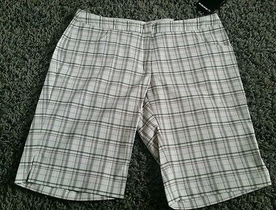 Sunice womens white red black checked golf shorts size 8 ( xs ) BNWT