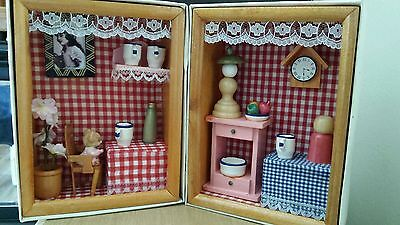 2 x Small Decorated Display Room Box Wall Hanging/free standing