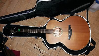 Takamine Jumbo Electro Acoustic EG520S guitar with case