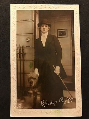 Vintage Postcard - Actress #A11 - Gladys Cooper With Dog - Rotary