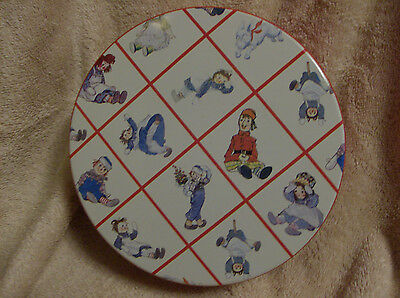 RAGGEDY ANN and ANDY*Collectible Round TIN*Classic Design