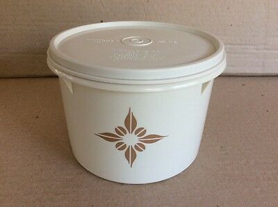Tupperware VINTAGE BEIGE CANISTER with Lid