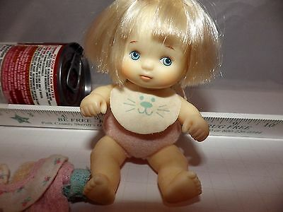 """VINTAGE 1987 Hasbro Love a Bye Baby, Blonde Haired 5"""" Baby Doll with Outfit"""
