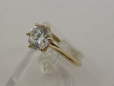9ct Solid Yellow Gold & Impressive Large CZ Solitaire Dress Ring size P