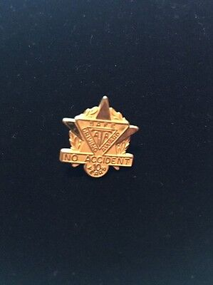 American Trucking Association Safe Driving Award Pin, 10 Years No Accident