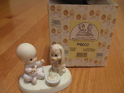 Enesco, Sharing Our Christmas Together Figurine W/box #531944