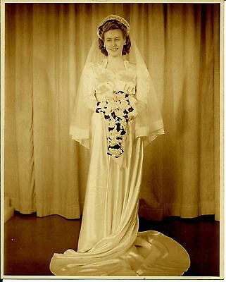 Vintage 1940s Satin Wedding Dress Gown with Veil, long Train