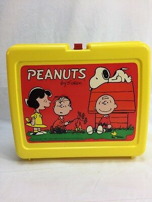 1965 Peanuts Lunch Box Plastic By Thermos Charlie Brown Snoopy