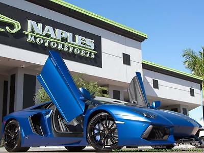 2015 Lamborghini Aventador LP700-4 Roadster Convertible 2-Door 2015 Lamborghini Aventador LP 700-4 Roadster 7 Speed Manual 2-Door Convertible