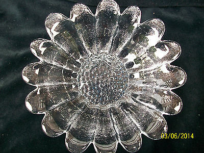 Dartington Glass.  Shallow Daisy Dish by. Frank Thrower .7 inches