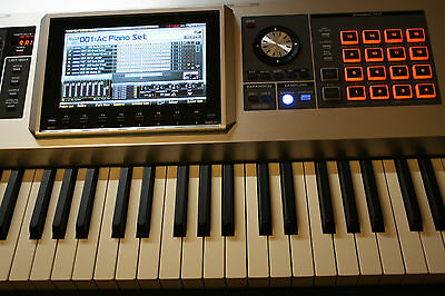 Roland Fantom G8 Sampling Workstation Synthesizer Stage Piano
