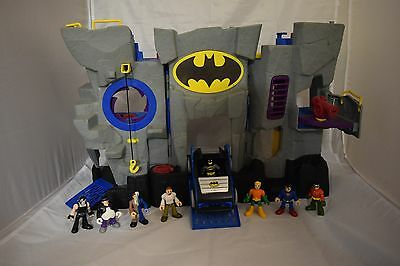 Fisher Price Imaginext DC Super Friends - Batcave, Batmobile and 8 Figures