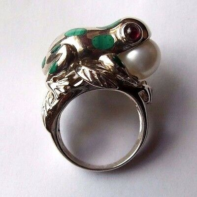 Oriental Chinese Silver 'frog' Ring. Malachite, Rubies & Large Cultured Pearl.