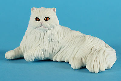 Schleich  Retired 2003 Persian Cat Laying 16602 circa 1997 made in Germany VGC