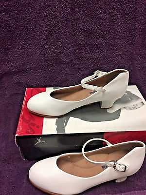 White Character Shoes Capezio 550 Little Girls 1 1/2 inch heel NIB