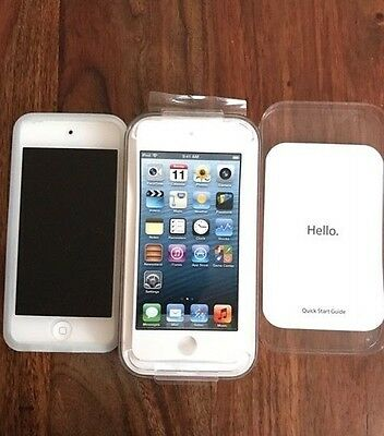 Apple iPod Touch 2 5th Generation Silver/White (64GB)