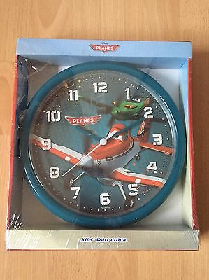 Disney Planes Children's Wall Clock helps your child learn to tell the time