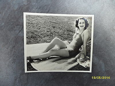 Olivia De Havilland Ardath Photocard - A Continuous Series of General Interest