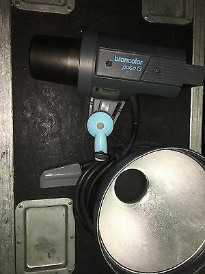 Broncolor Pulso G Focusing  No Bulbs. Tested
