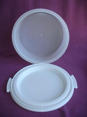 TUPPERWARE - Vintage - Cake Taker - Sheer / White - Excellent Condition