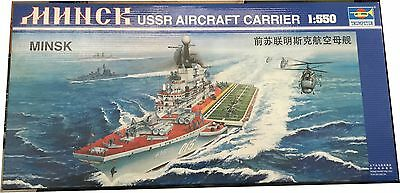 Trumpeter Minsk USSR Aircraft Carrier Model Kit Scale 1/550, Nuevo