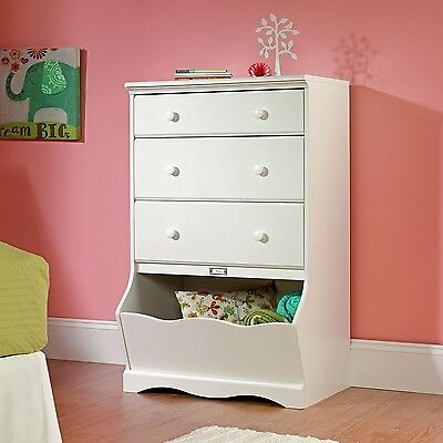 5 Drawer Universal Dresser Stork Craft Kenton Soft White Finish