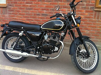 Herald Classic 125cc Motorcycle Motorbike January offer NOW Just  £1470