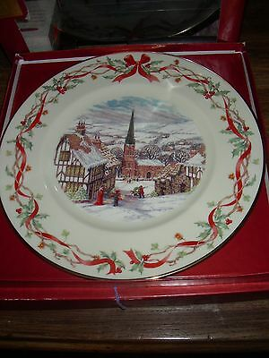 "Lenox Villages Around The World ""an English Village"" Collection Plate Usa 2001"