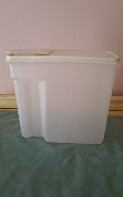 Used Rubbermaid 13 Cup Pitcher