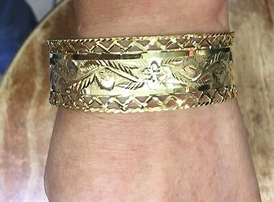 18k Solid Yellow Gold Flower Bangle 19.70 Grams 63mm(987$)