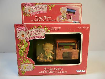 """Kenner NIB """" Angel Cake with Souffle"""" at a Desk Strawberry Shortcake Miniatures"""