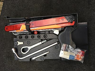 GENUINE MERCEDES C CLASS W203 Estate COMPLETE JACK TOOL SET / KIT