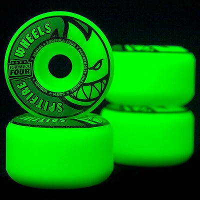Spitfire Wheels Formula Four Stay Lit 52mm 101d Radial Glow in the Dark F4