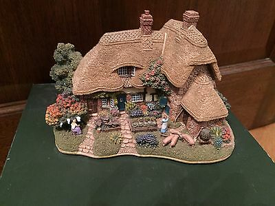 Large Lilliput Lane 'The Good Life' Collectors Club Special Edition.