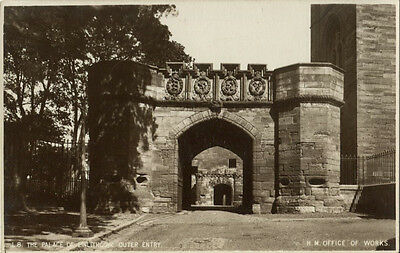 Linlithgow Palace - Outer Entry. Linlithgow, West Lothian  Vintage Postcard