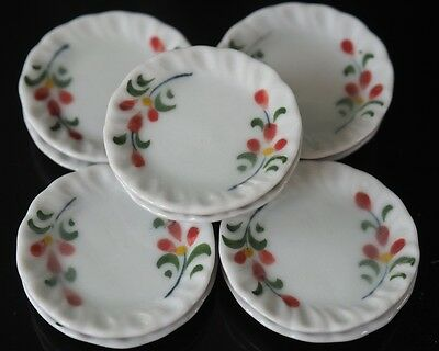 Dollhouse Miniatures 10 x 29 mm Hand Painted Flower Ceramic Plates Cookware A04