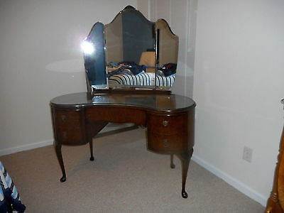Antique Dressing Table Vanity