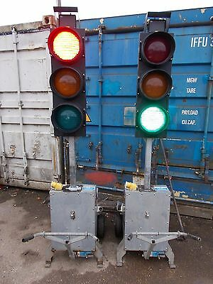 Pike XL2 Battery traffic lights fast tow trailer light PRICE INCLUDES VAT
