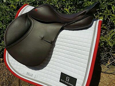 Albion jump saddle 17.5 inch AS NEW! $500 off RRP