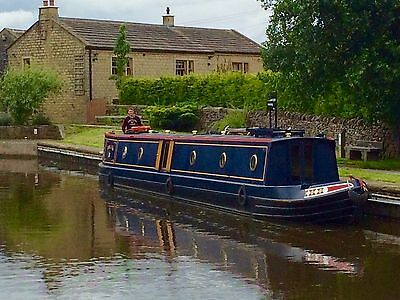 LUXURY NARROWBOAT HOLIDAY BREAKS on the picturesque lock free Lancaster canal.