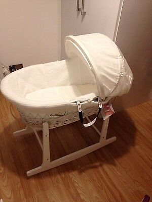 Izziwotnot wicker moses basket and stand